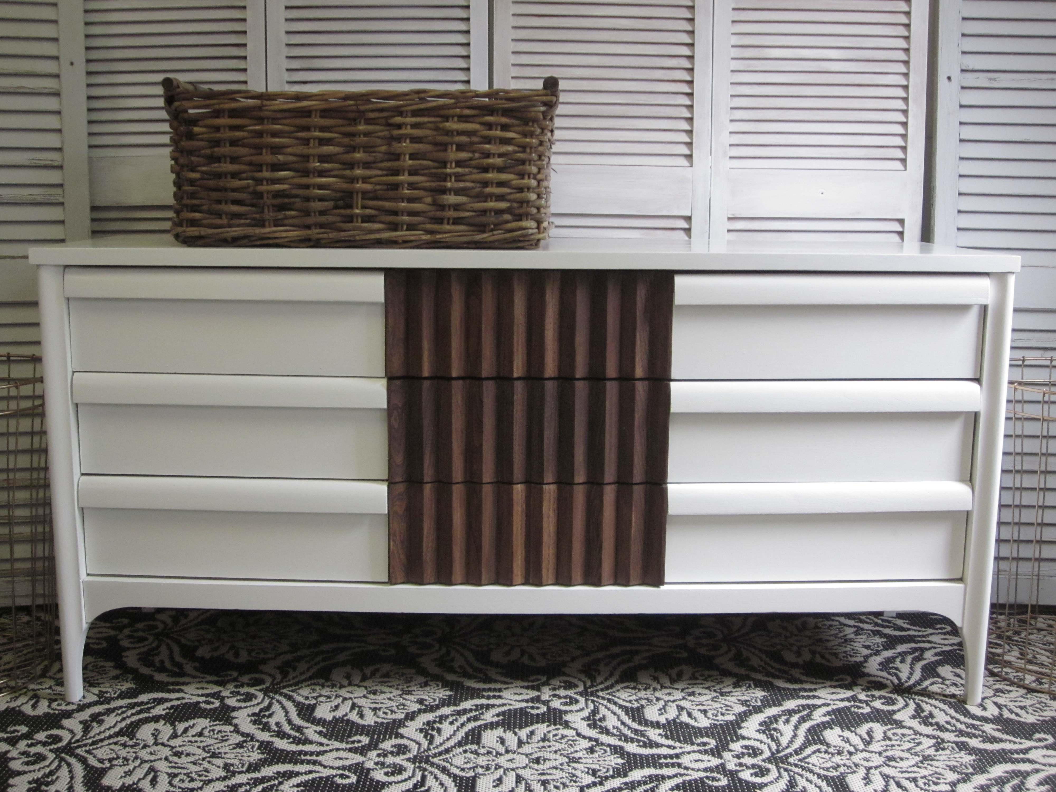 MCM two-tone dresser by EntriWP