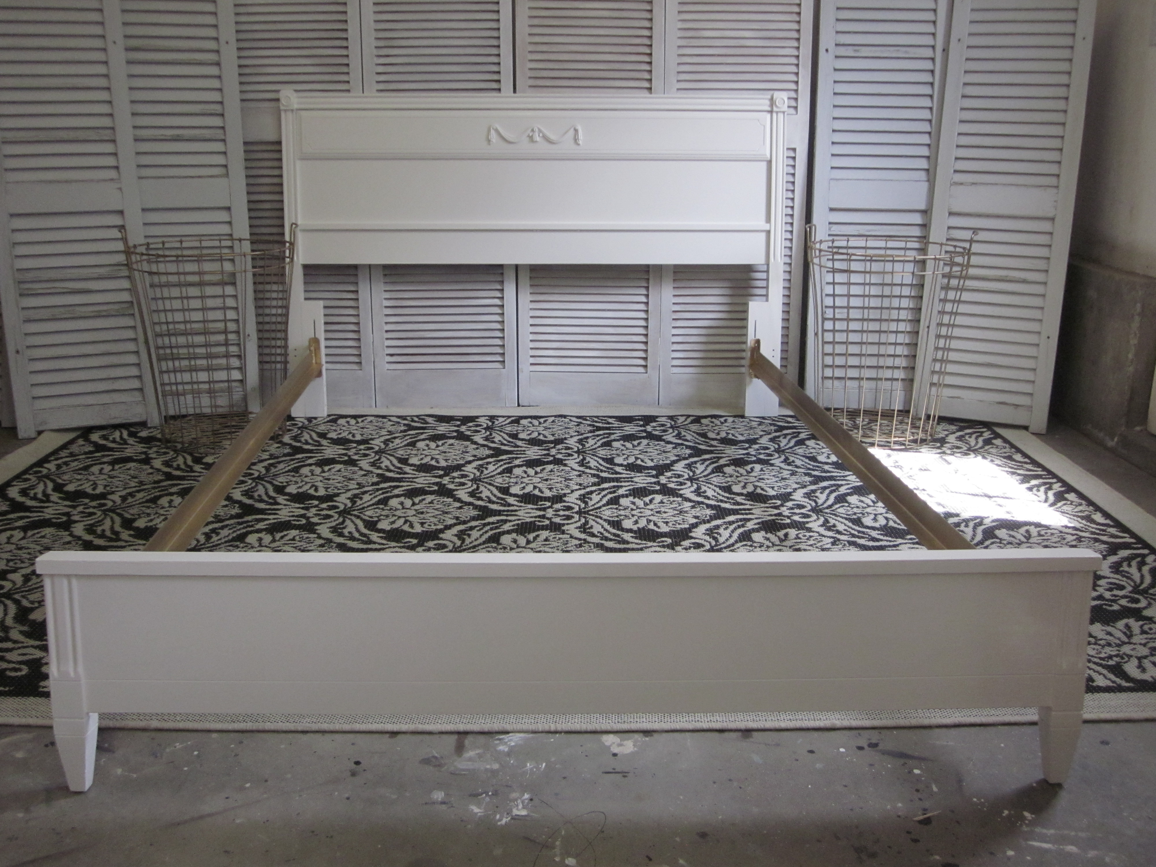 Paint A Brown Metal Bed Frame Gold Entri Ways
