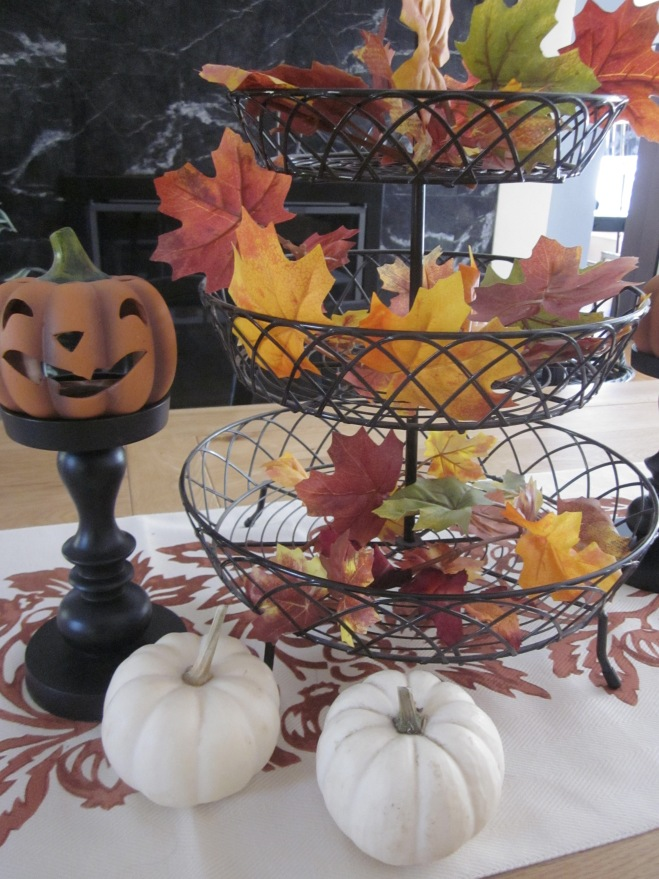 Halloween table centerpiece