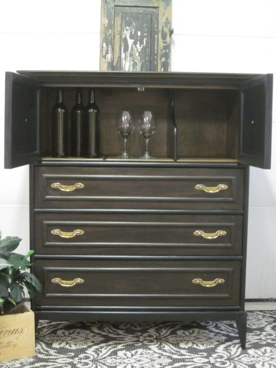 Broyhill chest